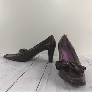 Vintage maroon coach Camellia leather square heel